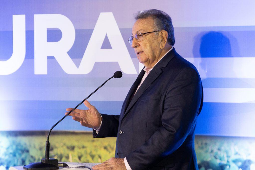 O presidente da CNA, João Martins, anuncia a parceria do AgroUp com a plataforma de inovação AgEvolution