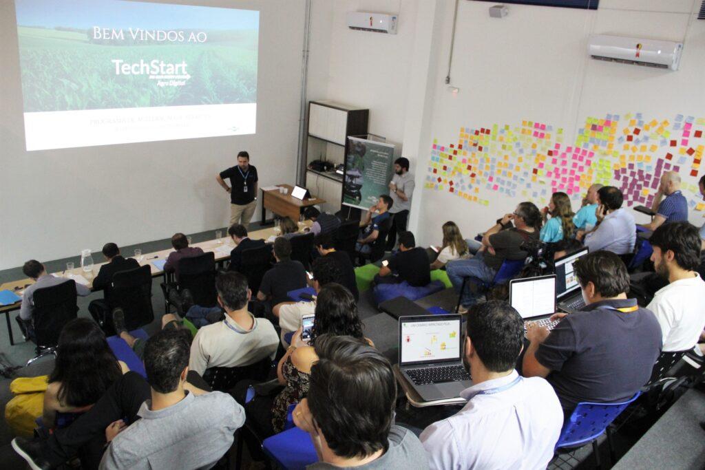 auditório tela startups agtechs