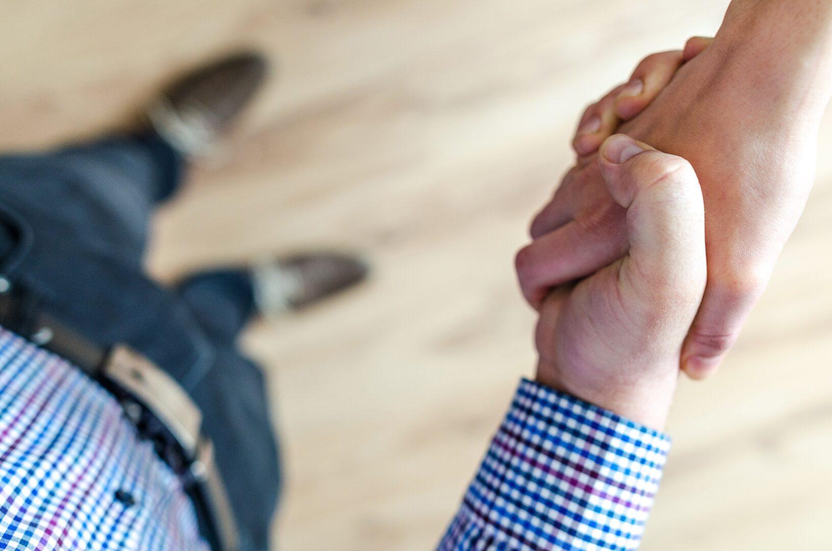 cumprimento mãos aperto de mão